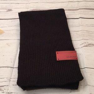 NWT Alfani men's black knit scarf.